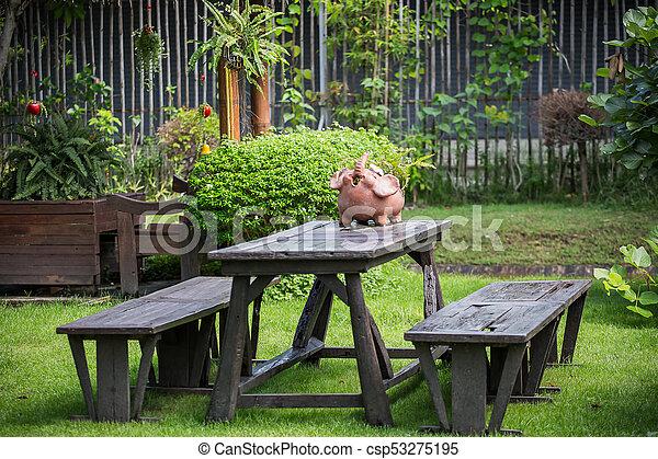 tavola legno, giardino - csp53275195