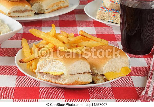 tavola, picnic, cheeseburgers - csp14257007