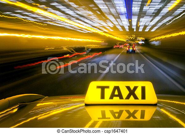 Taxi mit Warbgeschwindigkeit - csp1647401