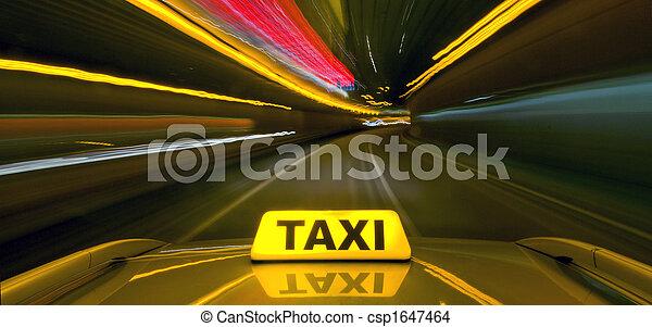 Taxi mit Warbgeschwindigkeit - csp1647464