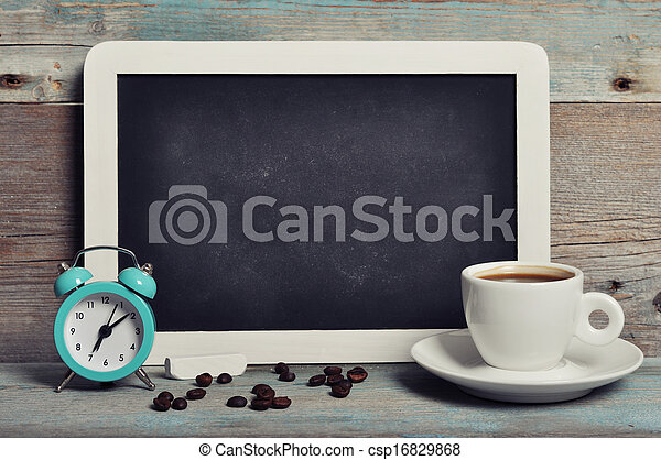 Una taza de café con pizarra - csp16829868