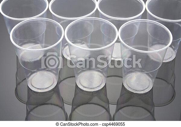 Tazas plásticas - csp4469055