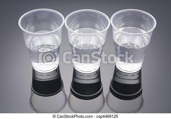 Tazas plásticas - csp4469125