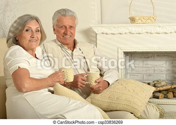 tea, öregedő emberek - csp33836269