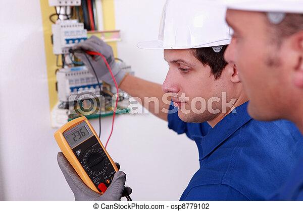 technique, deux, vérification, équipement, électrique, ingénieurs - csp8779102
