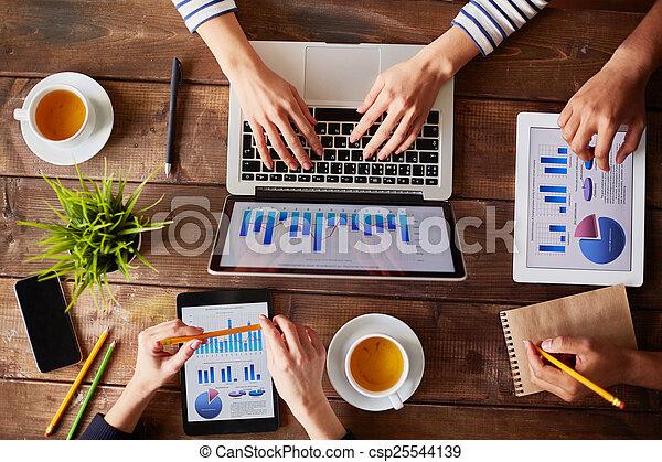 technologies, modern - csp25544139