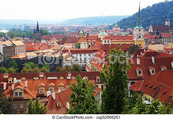 Techos de la vieja Praga - csp52906251