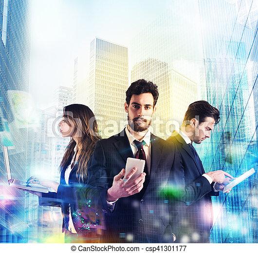 Tecnología y negocios - csp41301177