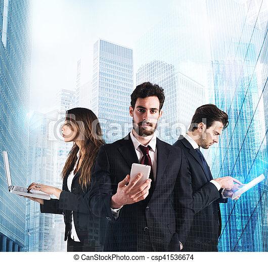 Tecnología y negocios - csp41536674