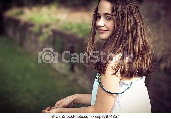 teen girl portrait outdoor - csp37974257
