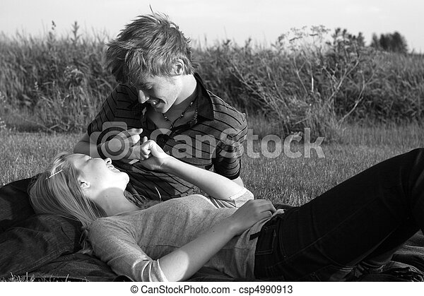Teenage couple - csp4990913