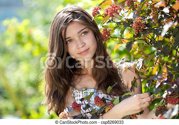Teenage girl outdoor in summer day - csp8269033