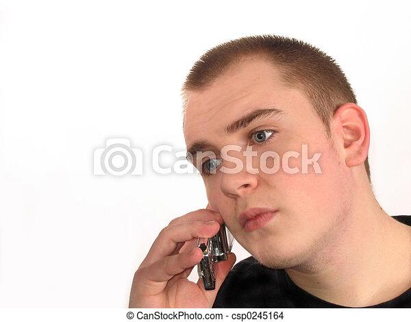 Joven con teléfono - csp0245164