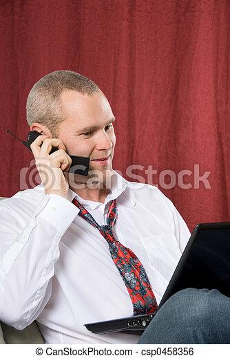 Mann am Telefon - csp0458356