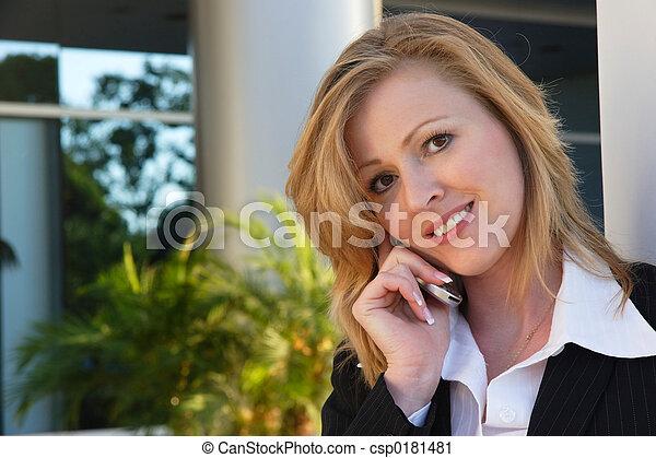 telefone pilha, negócio mulher, falando - csp0181481