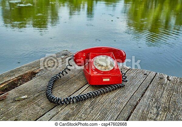 telefone velho, natureza - csp47602668