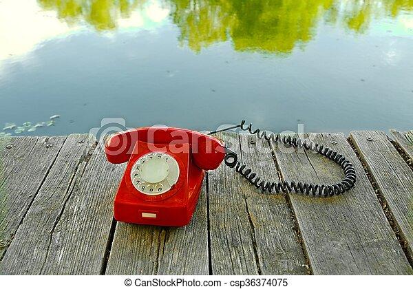 telefone velho, natureza - csp36374075
