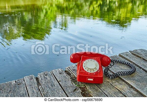 telefone velho, natureza - csp56676690
