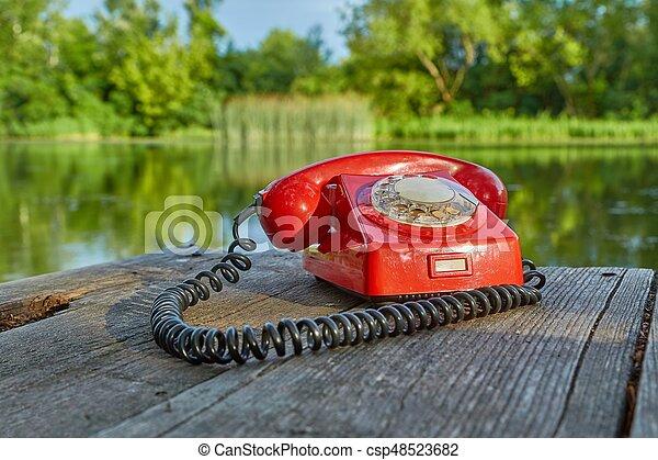 telefone velho, natureza - csp48523682