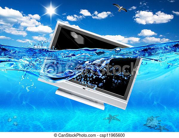 Diseño de TV en el mar. La electrónica ecológica. - csp11965600