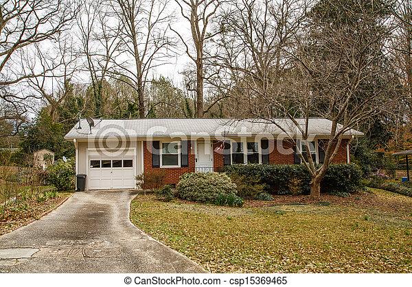 tellergericht klein mauerstein bungalow dach satelliten teller dach garage bungalow. Black Bedroom Furniture Sets. Home Design Ideas