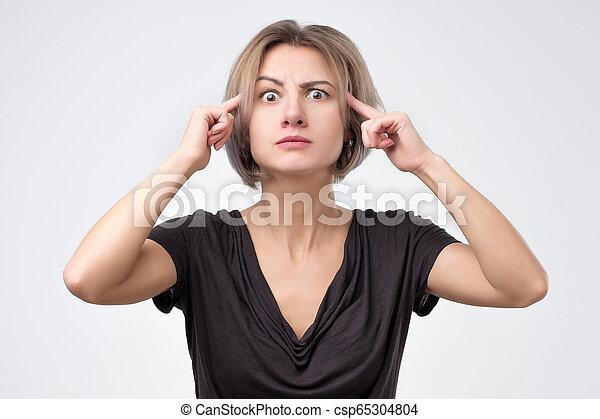 tem, mulher, generates, idéia, mente, olha, novo, atento, pensativamente, olhar - csp65304804