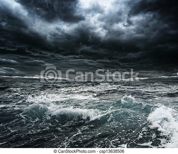 tempestoso, grande, sopra, cielo, oceano, scuro, onde - csp13638506