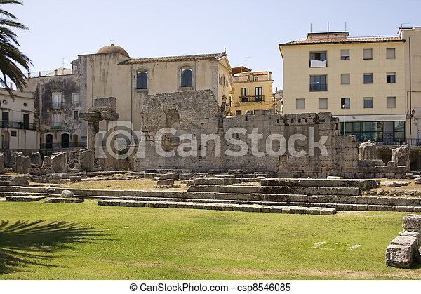 Temple of Apollo, Siracusa  - csp8546085