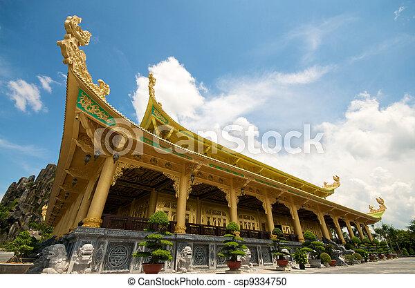 Templo en Vietnam - csp9334750