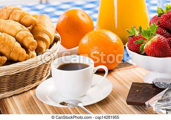 Desayuno temprano - csp14281955
