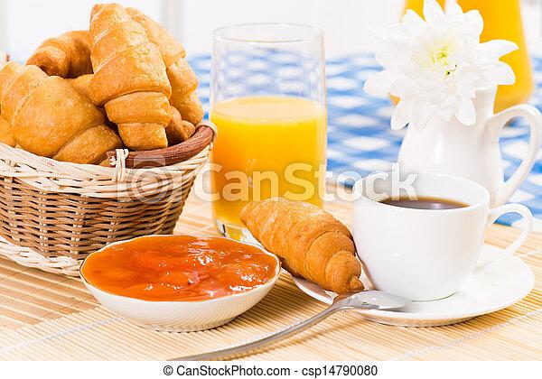 Desayuno temprano - csp14790080