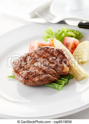 tenderloin steak - csp6518656