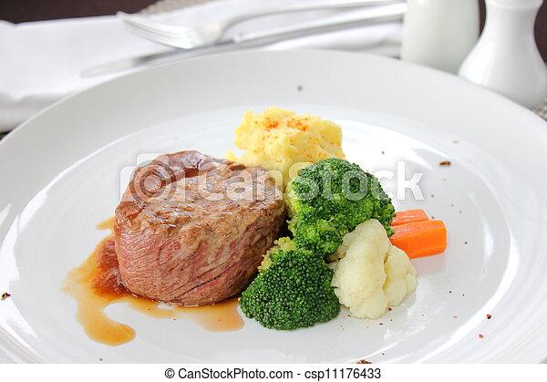 Tenderloin steak - csp11176433
