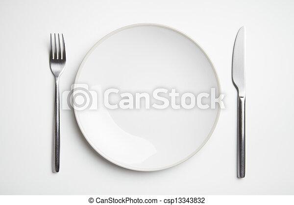Plata con cuchillo y tenedor - csp13343832