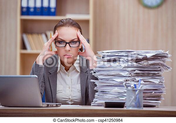 Images de tension occup stressant bureau femme sous