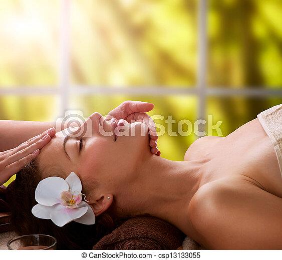 terme, massaggio facciale - csp13133055