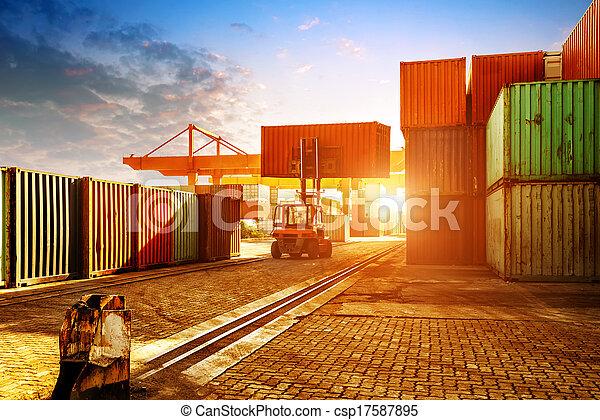 terminal, behälter, dämmerung - csp17587895