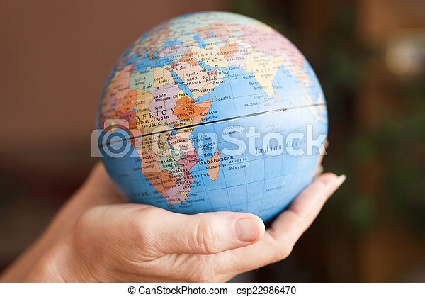 terra, mãos - csp22986470