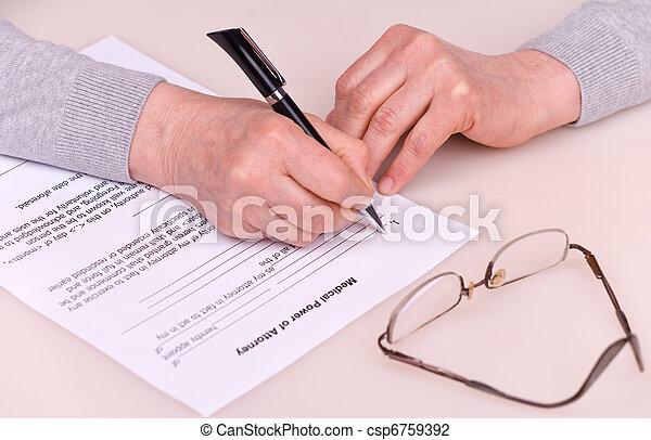 testamente, kvinna, äldre, skrift - csp6759392