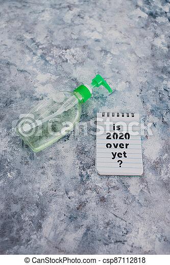 texte, bouteille, main, sanitizer, suivant, covid-19, encore, pandémie, sur, note, 2020, après, virus, vie - csp87112818