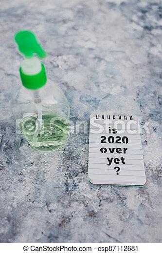 texte, bouteille, main, sanitizer, suivant, covid-19, encore, pandémie, sur, note, 2020, après, virus, vie - csp87112681