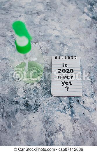 texte, bouteille, main, sanitizer, suivant, covid-19, encore, pandémie, sur, note, 2020, après, virus, vie - csp87112686
