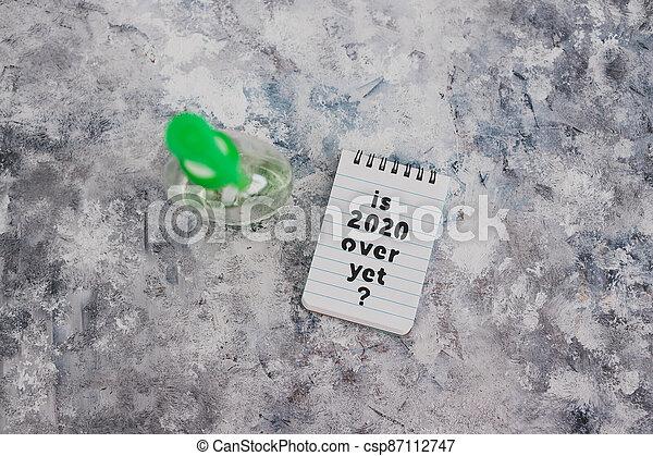 texte, bouteille, main, sanitizer, suivant, covid-19, encore, pandémie, sur, note, 2020, après, virus, vie - csp87112747