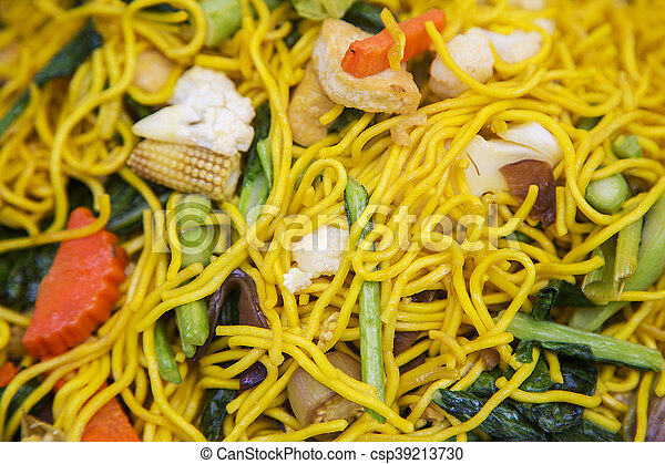 Thai fry noodles with vegetable - csp39213730