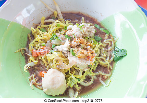 thai pork noodle thicken soup
