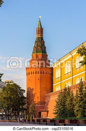 The Alexander Garden under Kremlin walls in Moscow - csp23105016