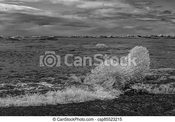 The beach in Jokulsarlon - csp85523215