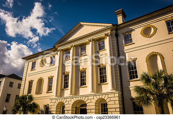 The County Courthouse in Charleston, South Carolina. - csp23366961