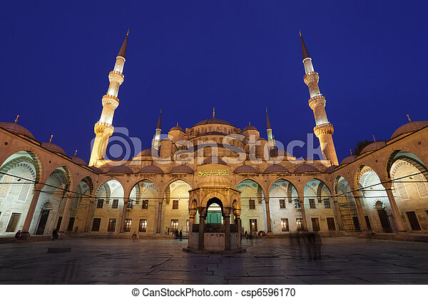 The famous Sultan Ahmed Mosque (Blue Mosque) in Istanbul, Turkey - csp6596170