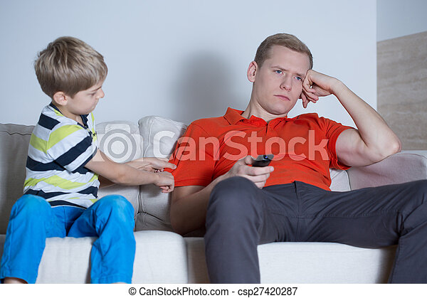 The father is not interested in his son - csp27420287